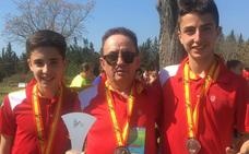 Los salmantinos Javier Montero y Álvaro Jaén, plata con Castilla y León en el Nacional en Edad Escolar de cross
