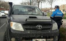 Multa de 200 euros por colocar un foco led en el capó del coche en Valladolid