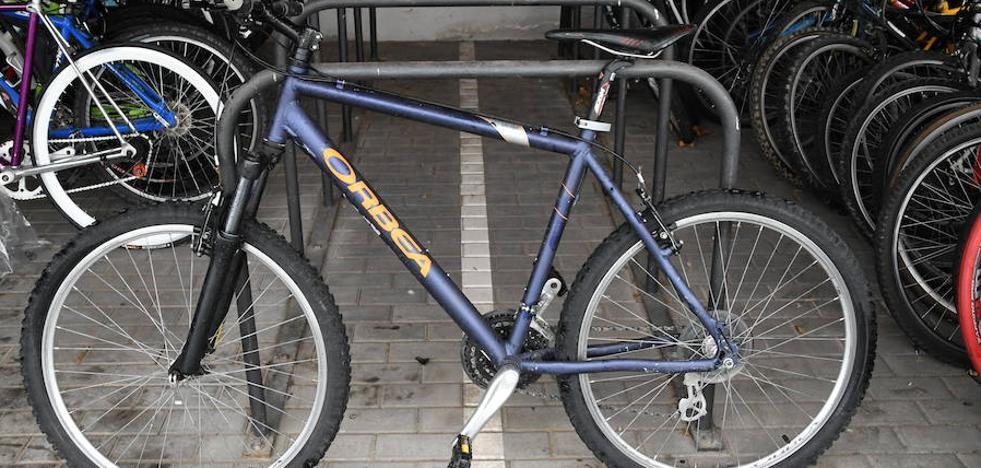 Más de cincuenta bicicletas esperan a sus dueños en el depósito municipal de Valladolid