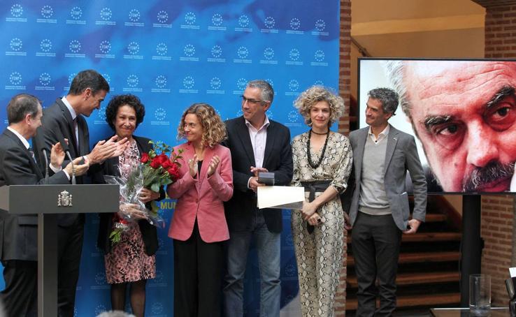 Pedro Sánchez entrega la Llave de Oro del Municipalismo a título póstumo a Tomás Rodríguez Bolaños
