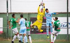 Duelo para engancharse a la lucha por el play-off entre el Coruxo FC y el CD Guijuelo
