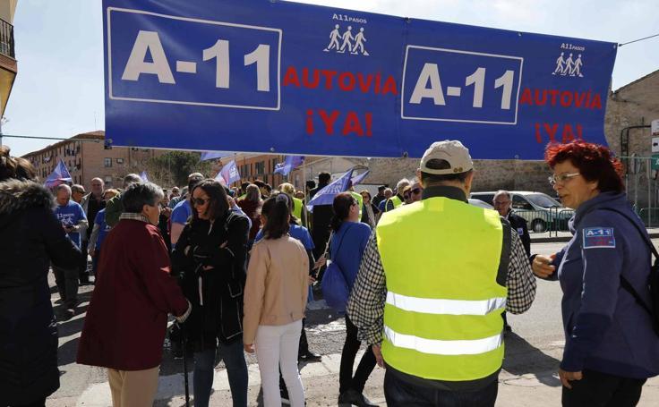 Protesta en Peñafiel para reclamar la Autovía del Duero