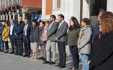 Minuto de silencio en el Ayuntamiento de Valladolid por las víctimas de los atentados del 11-M