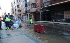 Un nuevo reventón deja sin agua a vecinos del barrio vallisoletano de La Rubia
