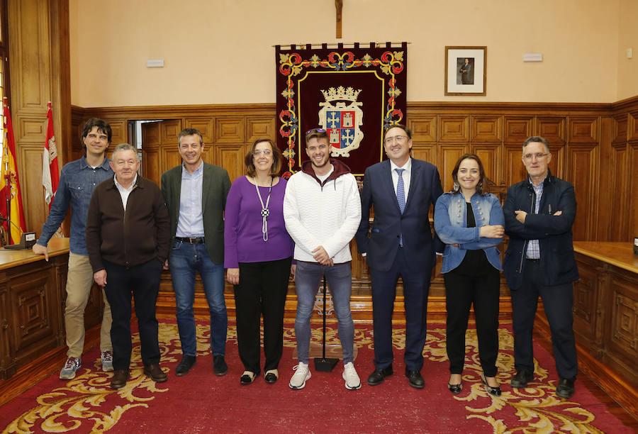 Husillos comparte su triunfo europeo con los palentinos