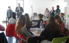 'Habla de Europa en tu ciudad' acerca a los jóvenes de Santa Marta a las instituciones europeas