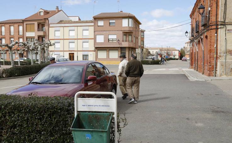 Vecinos de Villarramiel encuentran sobres con billetes en sus buzones