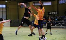 El BM Ciudad de Salamanca logra una importante victoria ante el Iplace (24-16)