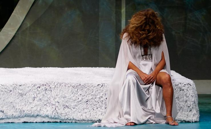 Lolita actúa en el Liceo de Salamanca con la obra 'Fedra'