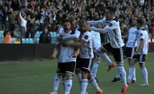 El Salamanca CF UDS coge impulso y se aleja del peligro