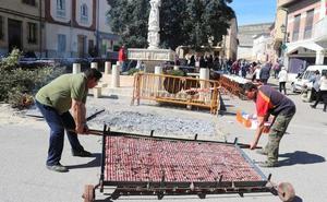 Castrillo de Don Juan vive una intensa jornada festiva gracias a la matanza