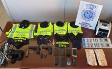 Desarticulada una banda cuyos miembros simulaban ser guardias civiles para atracar a narcos y empresarios