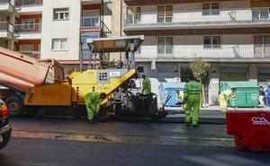 El Ayuntamiento arregla calles, glorietas y paseos en nueve barrios de la ciudad