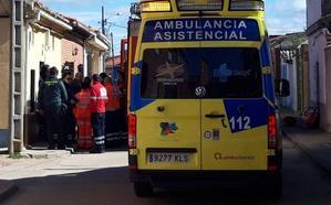 Tres heridos leves al hundirse el suelo de una vivienda en La Seca