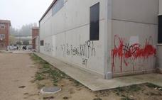 El Ayuntamiento de Valladolid destinó 324.000 euros a eliminar 3.408 pintadas el año pasado