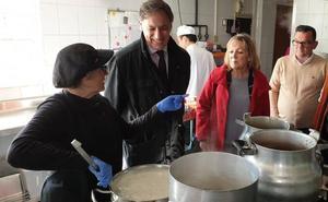 El Ayuntamiento destinará 900.000 euros al servicio de comida a domicilio