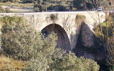 El tráfico por el puente de Bernardos queda cortado hasta mediados de abril para reparar el pavimento