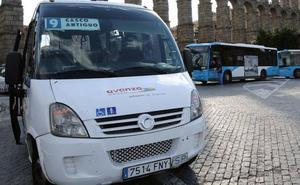 Los vecinos del recinto amurallado piden adelantar el bus del casco histórico a las 7:30 horas