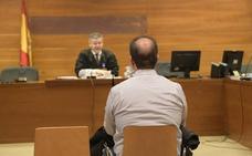 El camionero acusado de matar a un ciclista y herir a otro en Valladolid declara que no los vio