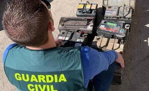 Dos investigados por robar baterías en una granja de Villaverde de Íscar