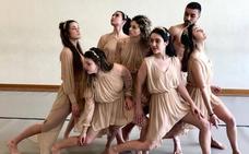 Un 'apolo' contemporáneo y horizontal con siete bailarines