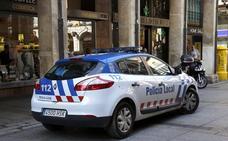 Denunciado en Palencia por llevar un hacha y un cuchillo cuando conducía con la ITV caducada