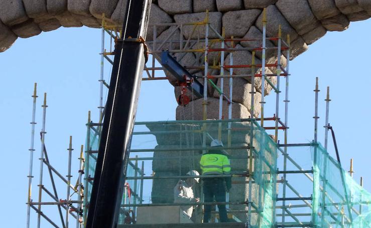 Retiran a la Virgen del Acueducto para su restauración