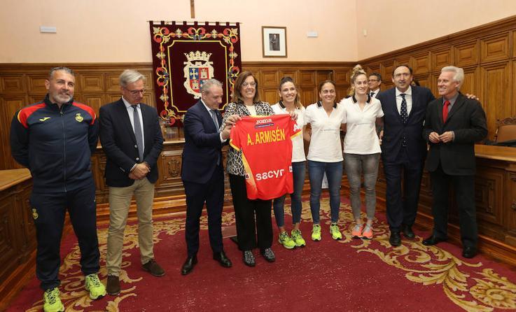 Recepción oficial de las Guerreras en Palencia