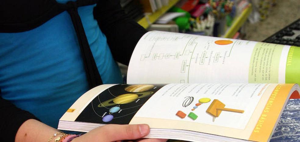 El plan de ayuda a la compra de libros de texto prevé llegar a 5.000 beneficiarios