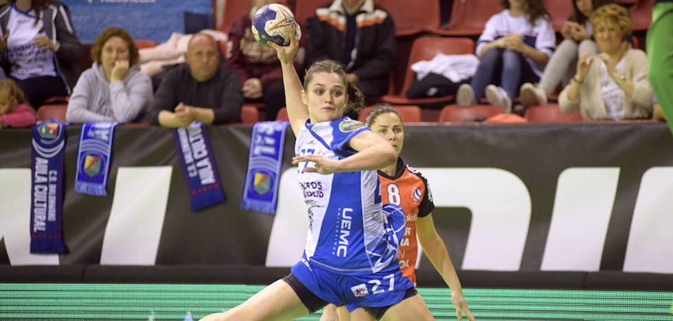 Elena Cuadrado, Lulu y O'Mullony disputan la Baltic Handball Cup