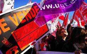 Los sindicatos de enseñanza piden mejorar las condiciones del profesorado para volver «a la situación de 2006»