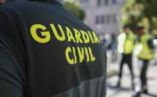 Detenidos los responsables de un robo con intimidación en el interior de un coche en Dios Le Guarde