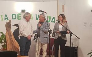 Laguna rinde un homenaje al artesano de instrumentos musicales Julio Arribas