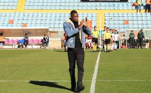 El Salamanca CF trata de explicar el fracaso en el fichaje del central francés Bijimine
