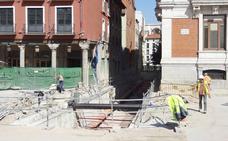 Obras de los nuevos accesos del aparcamiento de la Plaza Mayor de Valladolid