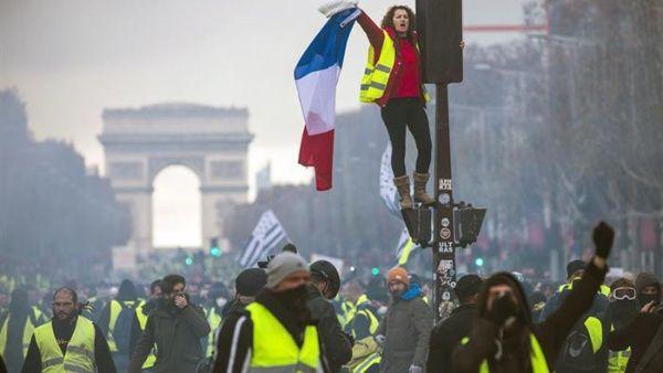 Macron consigue templar la ira de los 'chalecos amarillos'