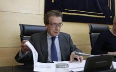 La Junta barajó una reforma de la Ley del Alto Cargo para atajar las aspiraciones de Clemente