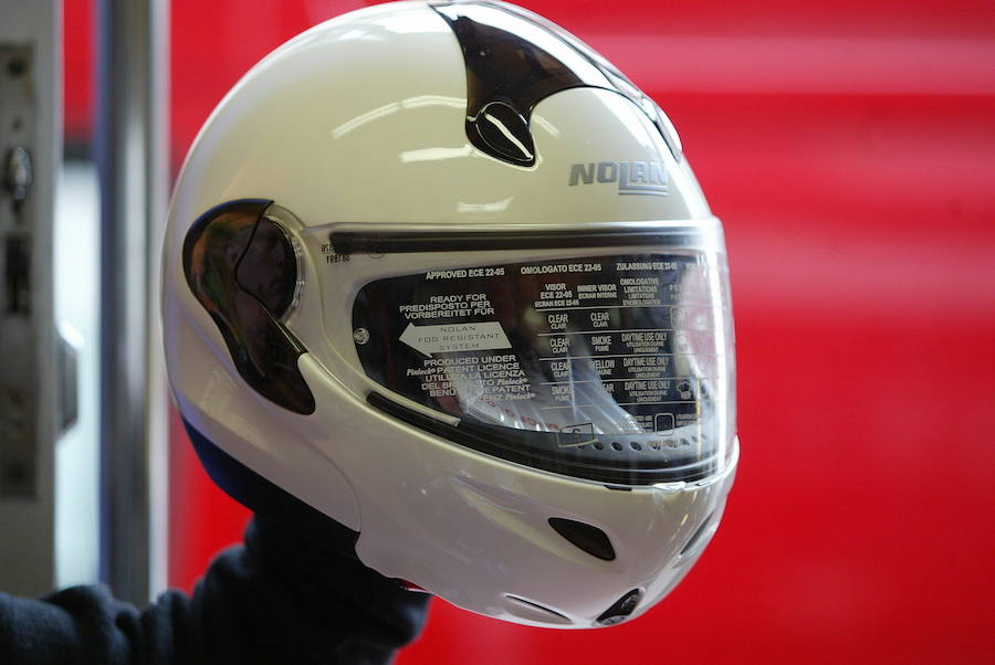 Casco integral.