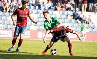 Tres minutos fatídicos en Pasarón condenan al CD Guijuelo ante el Pontevedra (2-1)