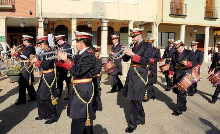 Certamen Benéfico de Bandas de Cornetas y Tambores en Dueñas