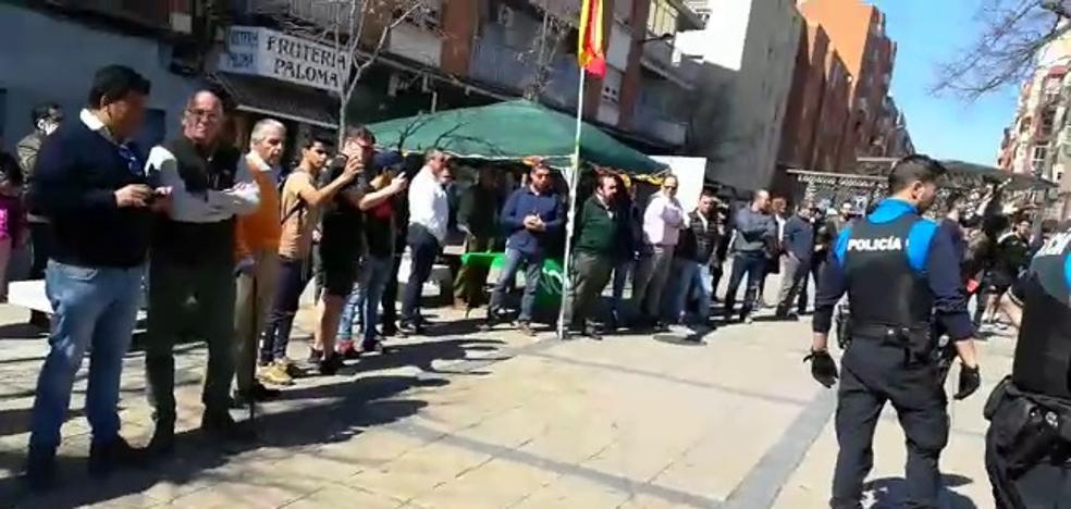 Vox afirma que no insultaron a nadie en Delicias y critica la agresividad de uno de los detenidos