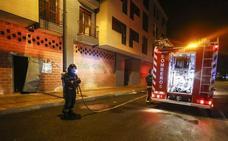 Dos personas resultan intoxicadas en una vivienda de León por la mala combustión de un calentador de gas