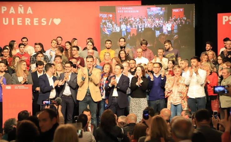 Pedro Sánchez se reúne con los socialistas salmantinos