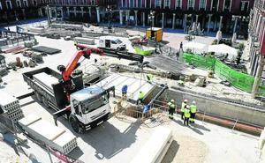 Comienzan a cubrir el túnel de salida del aparcamiento de la Plaza Mayor de Valladolid