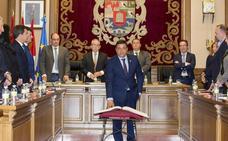 Carlos García desbanca a Sánchez Cabrera como presidente de la Diputación de Ávila