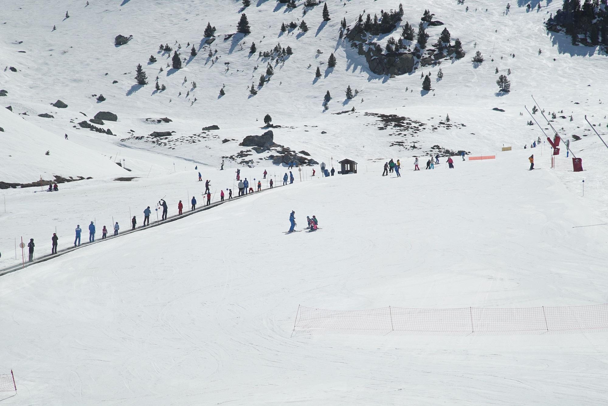 Aramón sigue disfrutando de la nieve en la despedida de Valdelinares
