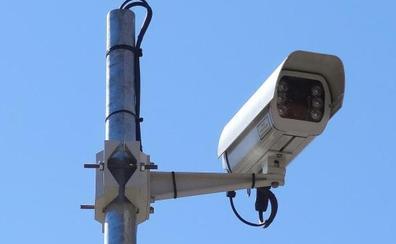 Las cámaras sustituyen a los viejos postes de los radares de semáforo en Valladolid