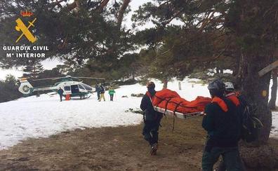 La Guardia Civil rescata a dos montañeros atrapados en la nieve en Siete Picos