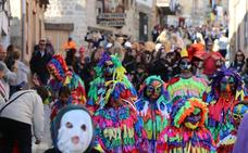 Piedralaves se convierte por un día en la capital de las máscaras