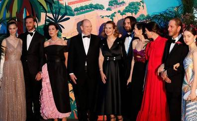 Karl Lagerfeld, 'presente' en el Baile de la Rosa